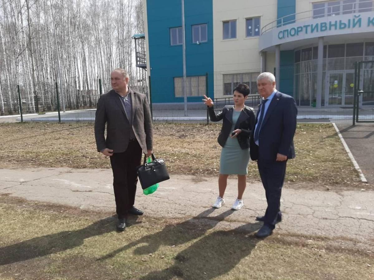 Единороссы провели партийный субботник в Челно-Вершинах