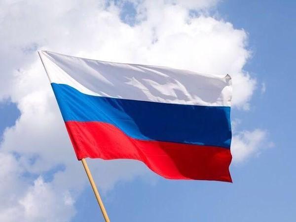 В День флага на Самарской набережной развернут огромный триколор