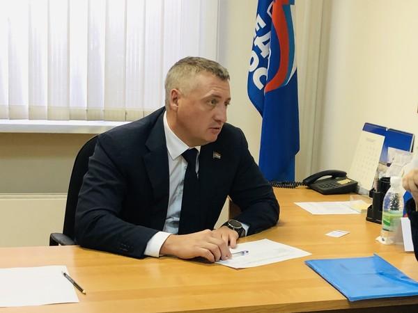 Депутат Самарской Губернской Думы Денис Волков приобрел подарки для детей из многодетной семьи